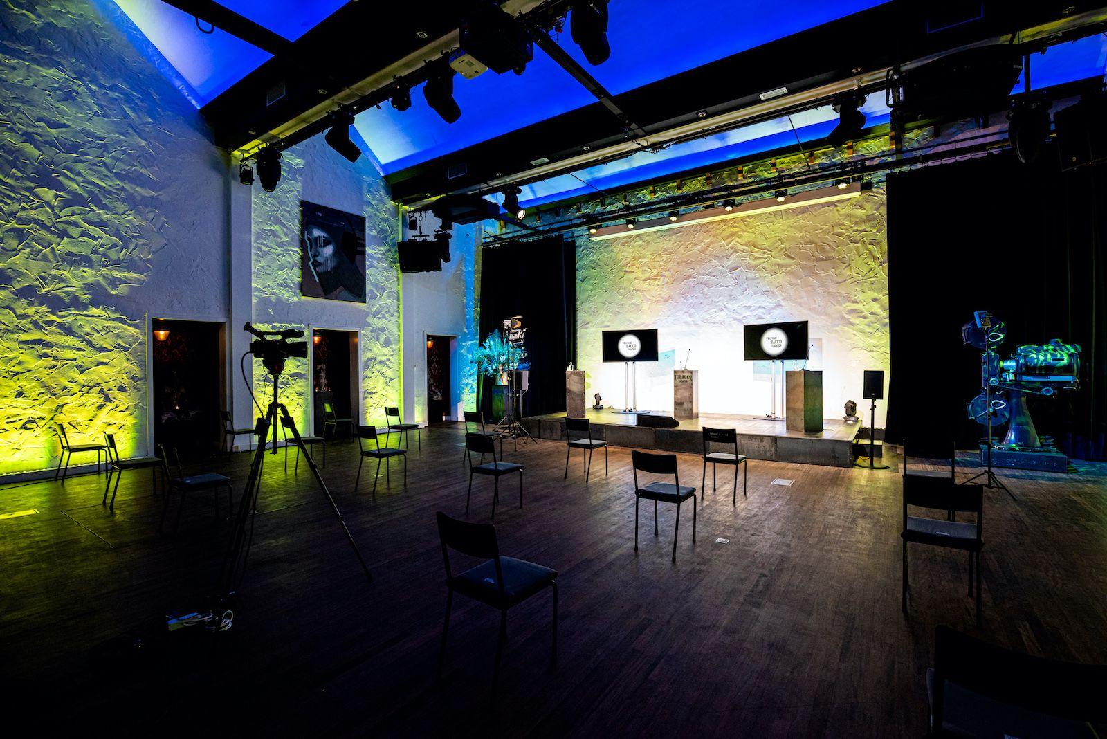 Studio 1-2